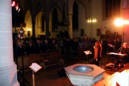 2013-11-03 gospelnight-mit-helmut-jost-und-ruth-wilson chor-just-for-fun 013